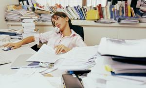 «Творческий беспорядок» на рабочем столе - способ решения трудных задач