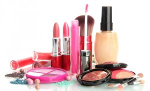 Уборка косметики как профилактика проблем с кожей