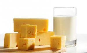 Молоко и сыр как альтернатива зубной пасте