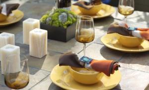 Ужин с друзьями может стать причиной потребления нездоровых продуктов